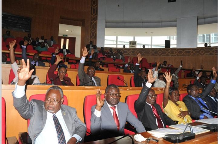 session extraordinaire parlement
